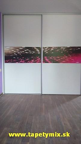 07f096eed833c ... vstavanú skriňu - realizácia Samolepiace tapety na skrine Vám vyrobíme  na mieru - realizácia Hľadáte samolepiace tapety na nábytok?